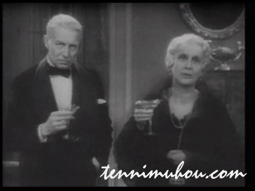 語りかけるマリヨット夫妻