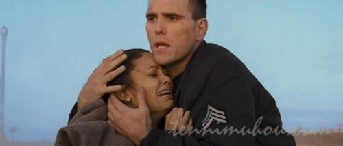 事故にあった夫人を救ったマット・ディロン