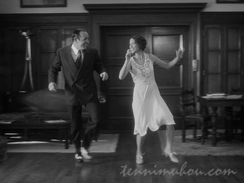ダンスを踊るジョージとペピー