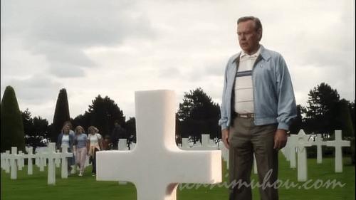 戦没者墓地でのライアン