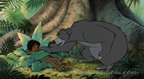 熊のバルーとモーグリ