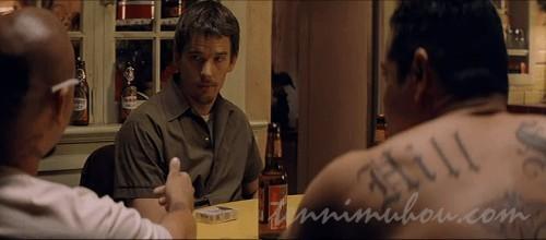ギャングの家に取り残されるジェイク