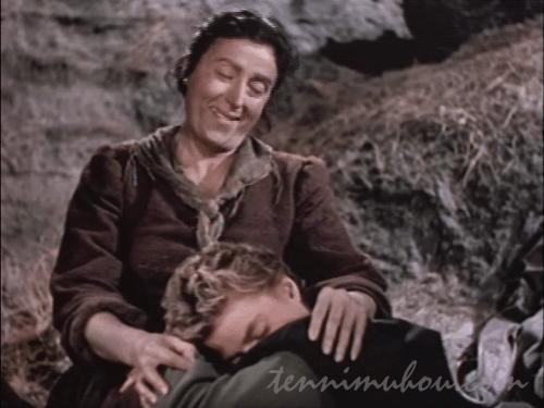 マリアを抱きしめるピラー