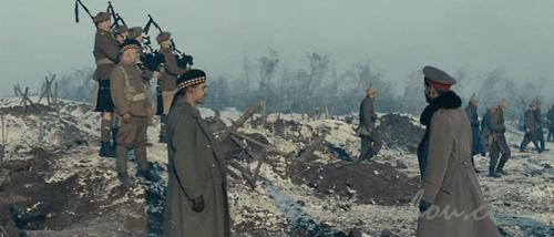 敵の塹壕に避難する?