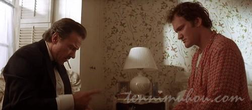 掃除屋ミスター・ウルフと話をするジミー