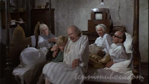 4人のおじいちゃんおばあちゃんたち
