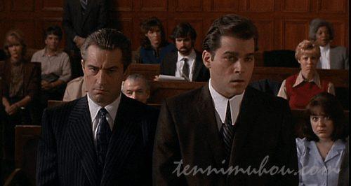 法廷に立つヘンリー