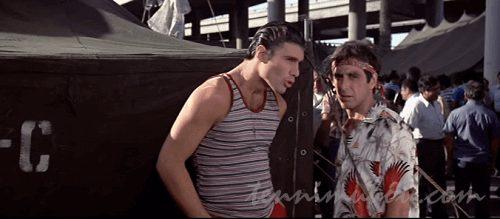難民キャンプのトニーとマニー