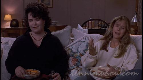 「めぐり逢い」を観ているアニーとベッキー