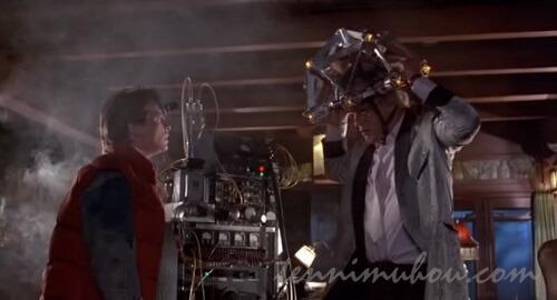 変な研究してるドクと再会するマーティ