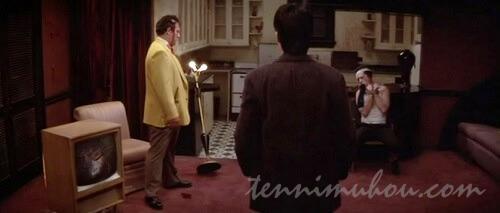 """""""黄色いジャケットの男""""とドロシーの夫"""