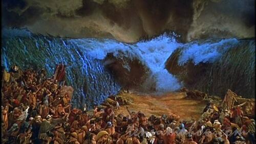 モーセの十戒での海が割れる場面