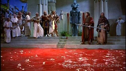 ナイル川を血に染める