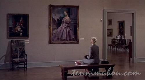 カルロッタの肖像画を眺めるマデリン