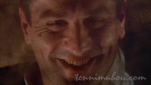 謎の笑顔を浮かべるロバート・デ・ニーロ