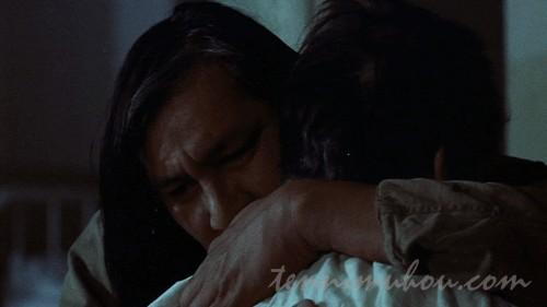 【カッコーの巣の上で】マクマーフィを抱いて涙を流すチーフ