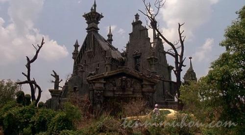 ゴシックホラー風「幽霊屋敷」