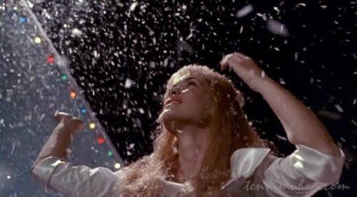 エドワードの雪で踊るキム