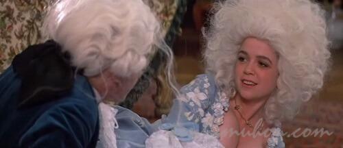 盛り髪のエリザベス・ベリッジ