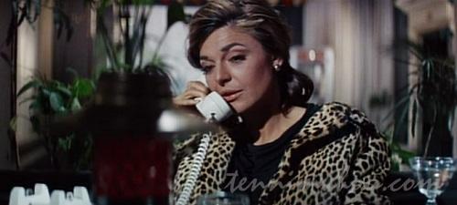 ミセス・ロビンソン(アン・バンクロフト)
