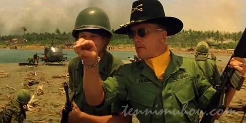 波に乗りたいビル・キルゴア大佐