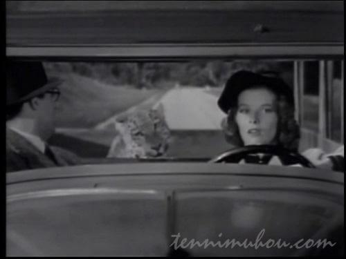 「ベイビー」を乗せて運転するスーザン