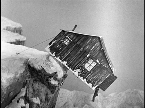 【黄金狂時代】飛ばされた小屋
