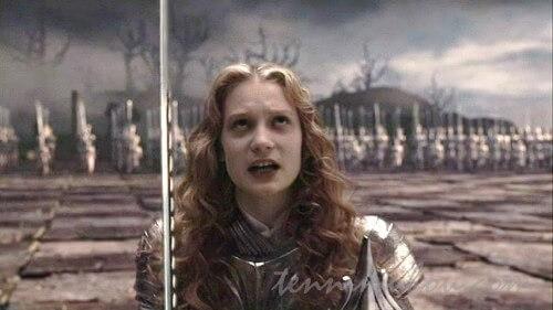 戦うアリス