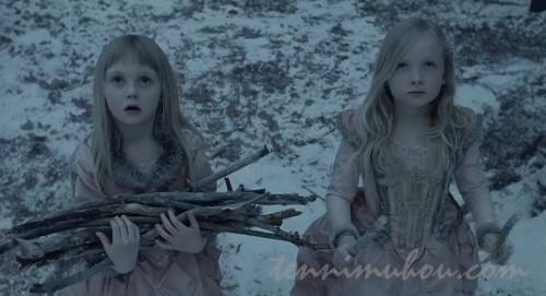 薪を拾う姉妹