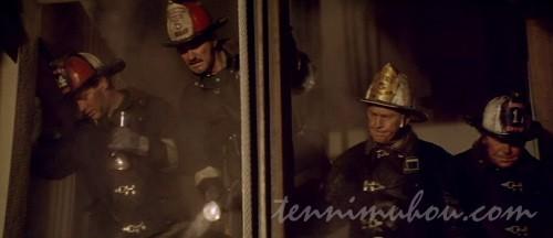 【タワーリング・インフェルノ】救助活動中のオハラハン
