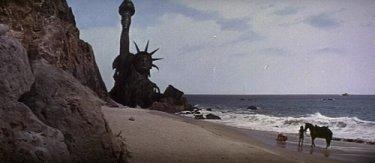 【猿の惑星(1968)】伝説的結末の初代の感想とシリーズ順番